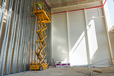 warehouse scissor lift
